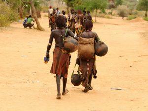 lokale mensen op de markt in Ethiopie